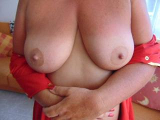 Hol snaps of sues lovely tits
