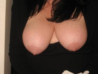 Wife Flashing Her Tits 3 of 9