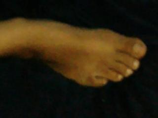 Cuckold feet