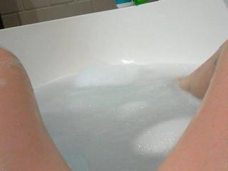 Bath & Pussy