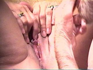 OPEN PUSSY CLIT PLAY