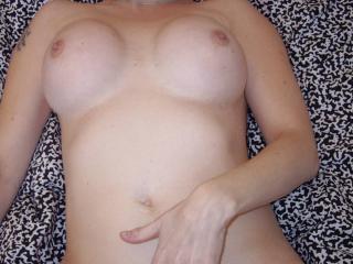 Stunning sexy lady 3 of 18
