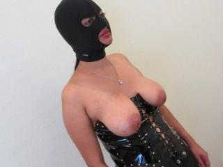 Indian slave gets her mouth used and facialed