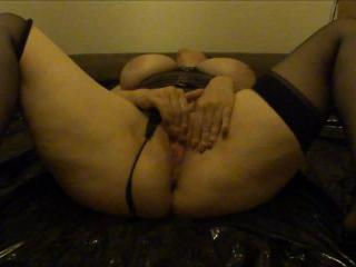 Elizabeth - Solo play and squirt