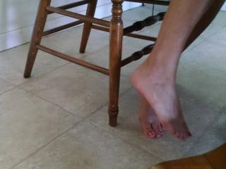 I've had some requests for more foot pics...