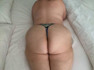 Anna's big hangers and her thick mature phat butt 3 of 20