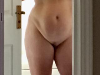 Do u like my sexy wife to flash her body