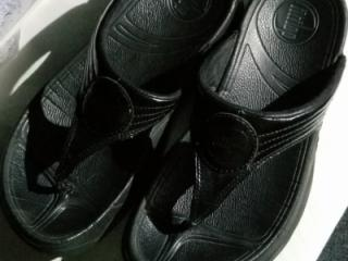 Mature Asian gf's favorite sandals