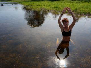 Play with Sun in Derzha-river