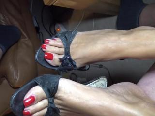 nail polish feet
