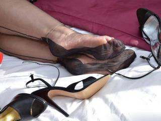 nyloned feet and pussy
