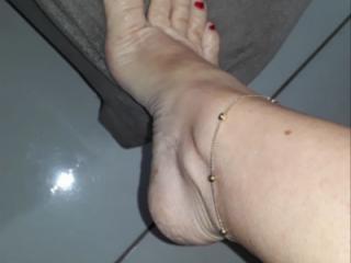 Anklet feet