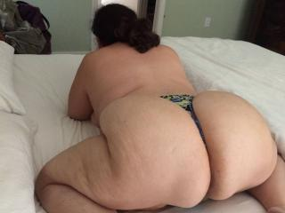 Anna's huge thick phat ass 5 of 9