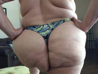 Anna's big hangers and her thick mature phat butt 9 of 20