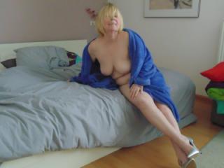 naked in high heels 8 of 20