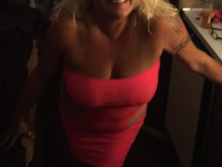 Hot Blonde Milf is SEXY! 4 of 19
