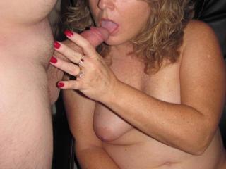 I love sucking cock!!!