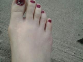 feet and toes 4 of 6