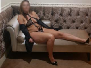 Wife posing in latex dog colllar set