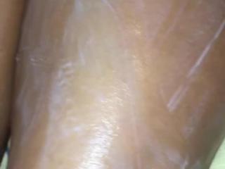 Moisturising My feet n legs