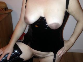 MILF Sandra wearing black PVC