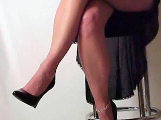 Kitten's Great Legs!