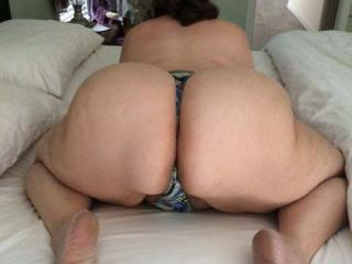 Anna's big hangers and her thick mature phat butt 11 of 20