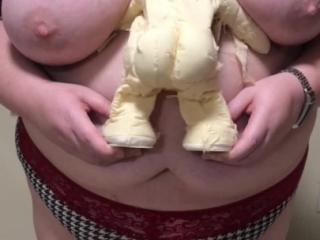 Mummies love boobs