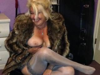 Hot Blonde Milf Out on the Town repost