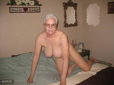 Seniors show them self at Adultism amateur community