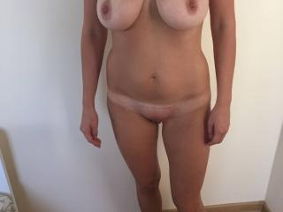 HOT WIFE 1 of 9