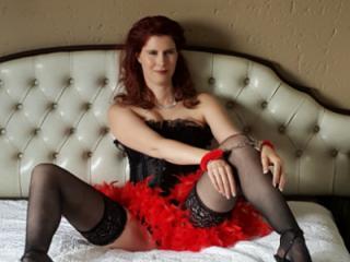 Smoking redhead hotness