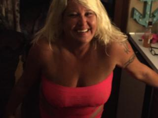 Hot Blonde Milf is SEXY! 6 of 19