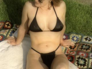 Yvonne in her bikini's