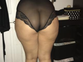 Sexy hotwife