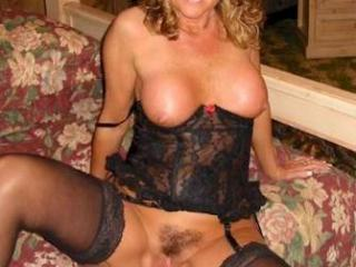 Older bi sexy lady