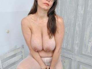 Busty Tina - The pantyhose
