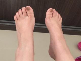 Brenda's feet 3 of 4