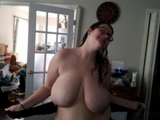 Huge tit wife 4 of 20