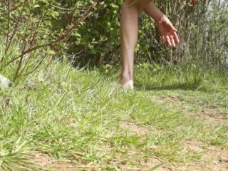 outdoor big dildo shaking