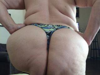 Anna's big hangers and her thick mature phat butt 6 of 20