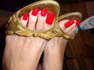 Slut Toes