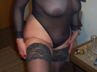 Meine geile Fickmaus in ihrem schwarzen Nylonbody...