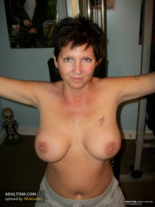 image Real amateur housewife and milf emily follow me on livecam