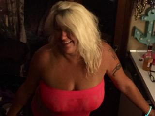 Hot Blonde Milf is SEXY! 8 of 19